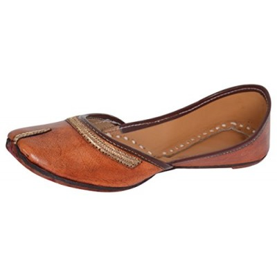 0f8140134704dc AMPEREUS Women s Brown Leather Juttis ...